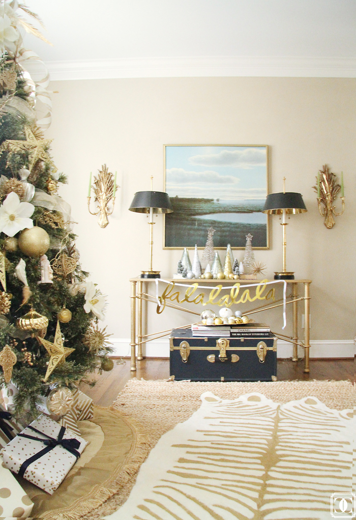 holiday decor, DIY rug, holiday DIY, white and gold decor, white and gold christmas tree