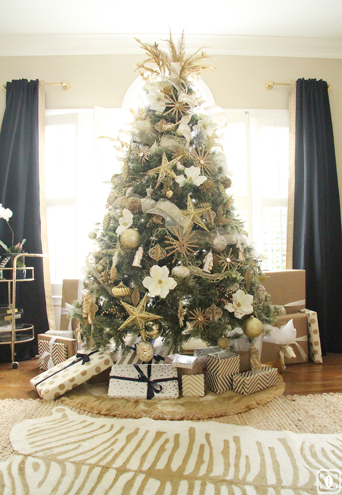 white and gold chirtmas tree, white and gold decor, white and gold inspiration, white and gold faux hide, DIY faux hide