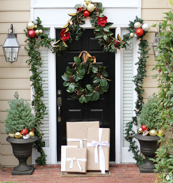 holiday decor, front door decor, holiday inspiration, DIY holiday decor