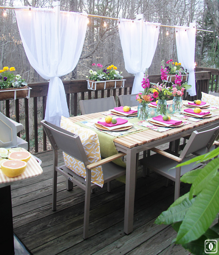 summer patio, bright and bold colors, patio decor