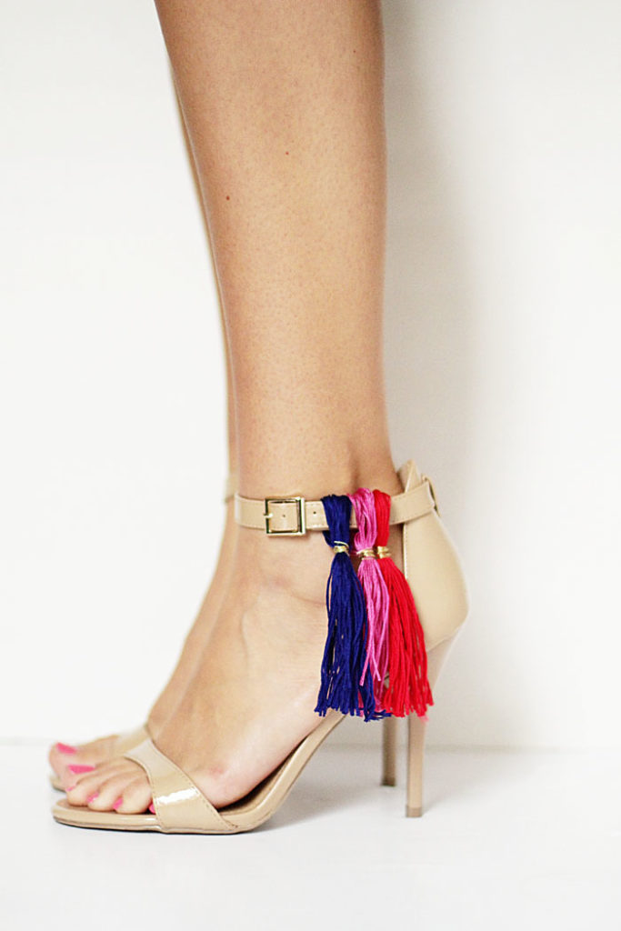 DIY tassel heels, tassel shoes, DIY tassels