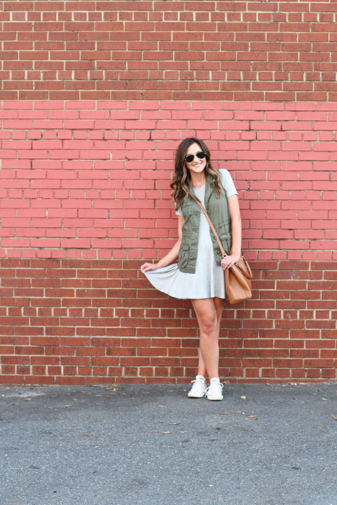 Swing dress, casual outfit, converse, tory burch, how to wear a swing dress