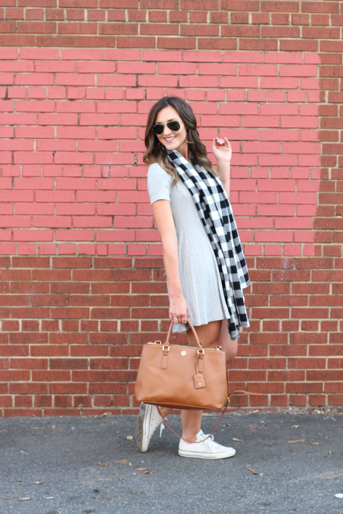 swing dress, casual dress, plaid scarf, tory burch bag, ray ban