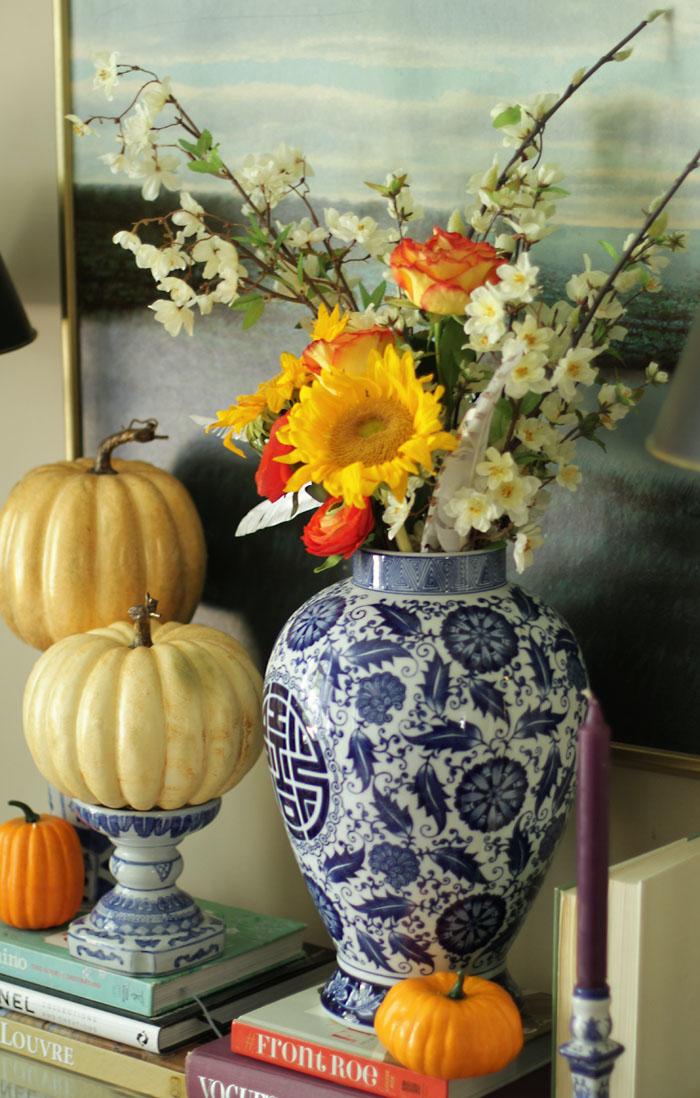 Fall Home Tour, Fall Decor, Pumpkin, Chalkboard Sign, Sunflowers, ginger jar