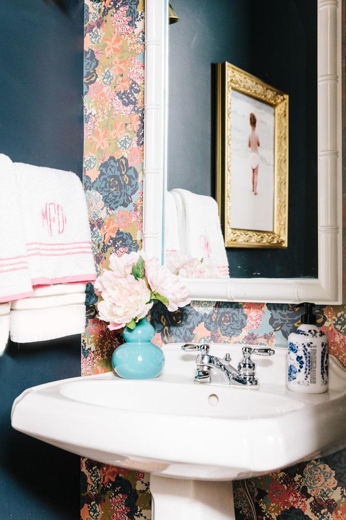powder bath, wallpaper, floral, monogrampowder bath, wallpaper, floral, monogram