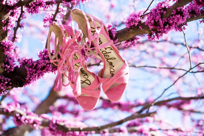 sam edelman azalea heels, tassel heel, red bud tree, fashion blogger