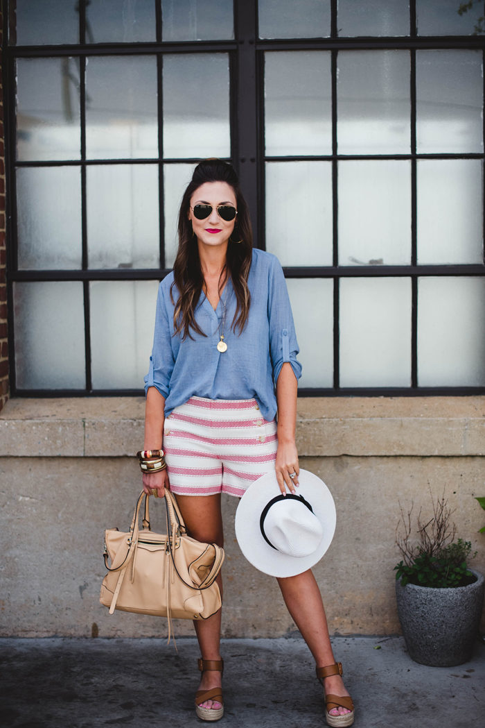 Chic mom outfit for summer