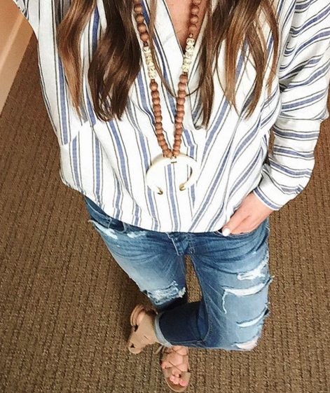 Loving this lightweight linen tunic paired with distressed denim for Spring transition.