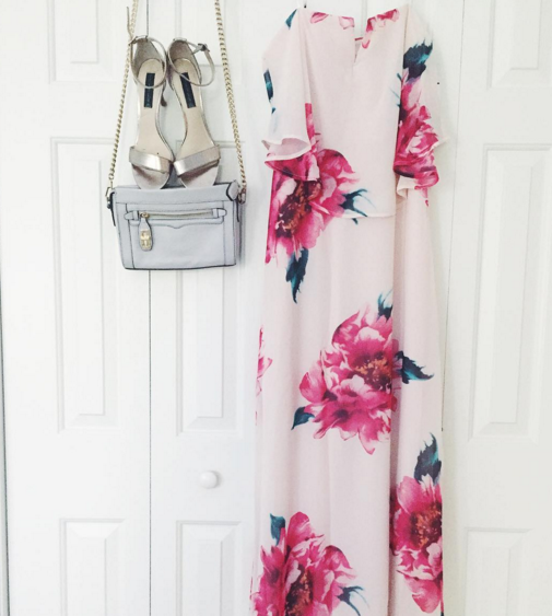 The prettiest floral maxi dress for Spring!