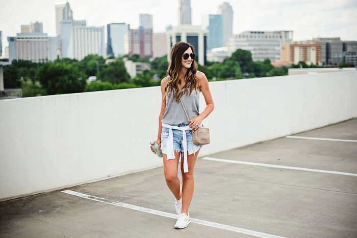 casual summer outfit with new balance sneakers