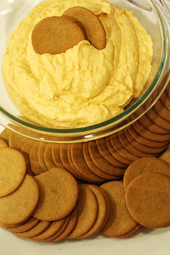 Delicious Cream Cheese Pumpkin Dip with Ginger Snaps- A MUST make Fall dessert!