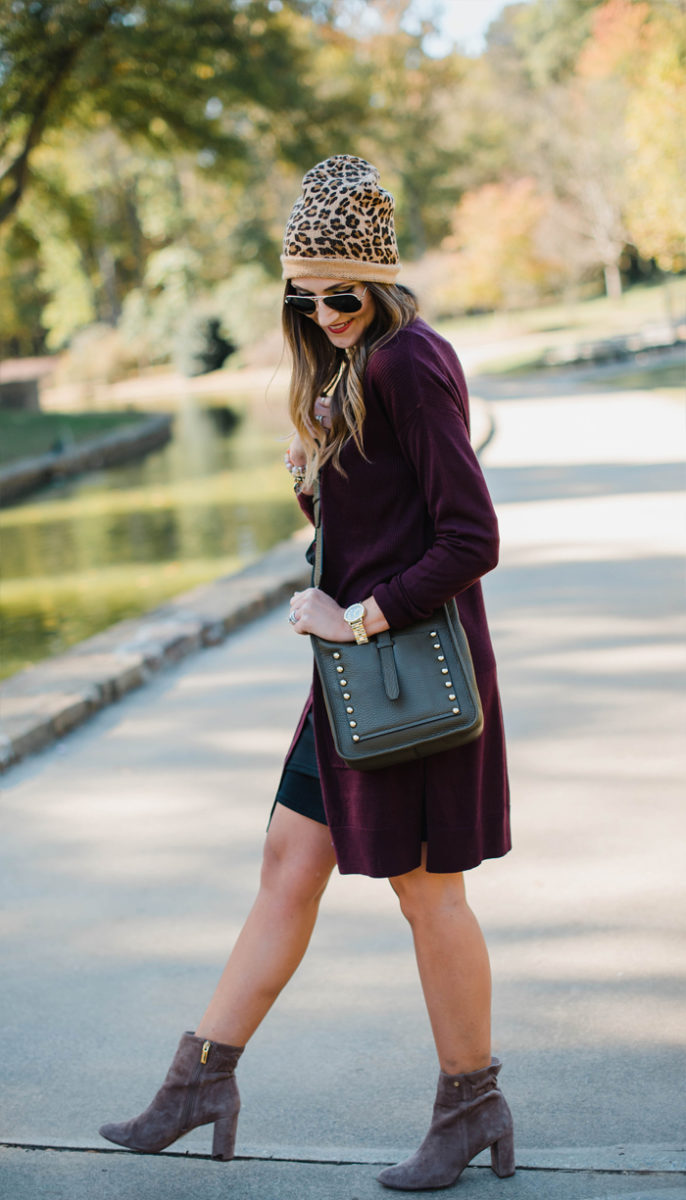 fall-looks-with-black-body-con-dress-16