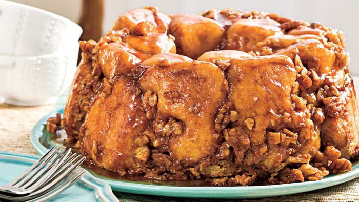 praline-monkey-bread - Christmas Morning Brunch Ideas for Christmas Morning featured by popular Texas lifestyle blogger, Style Your Senses