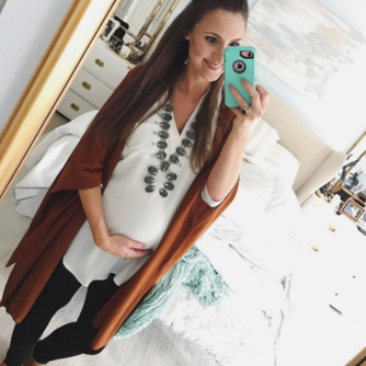 Cute maternity outfit with a comfortable tunic and leggings