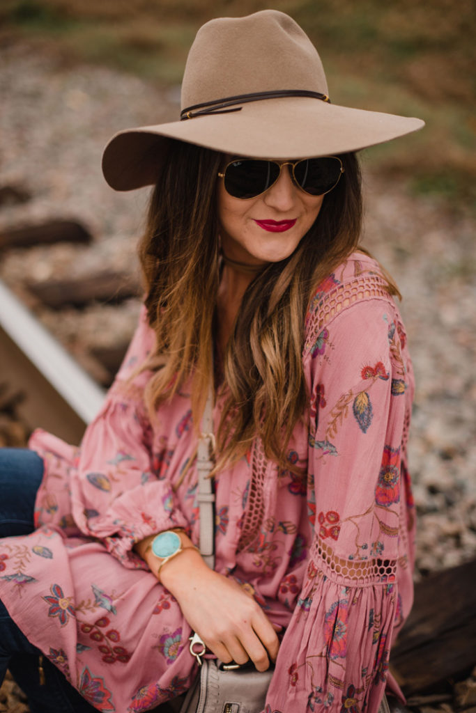 How to style a swing tunic over jeans for a cool Spring boho look