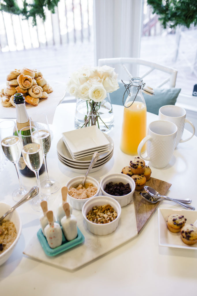 How to host a small brunch playdate