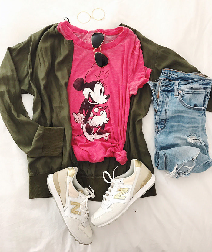 What to pack for Disney for Mom