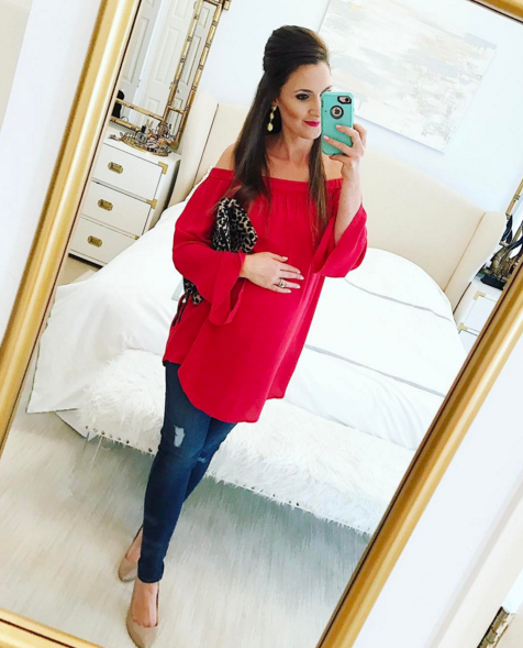 What to wear for date night while pregnant