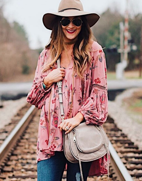 This swing top is such a great transitional piece