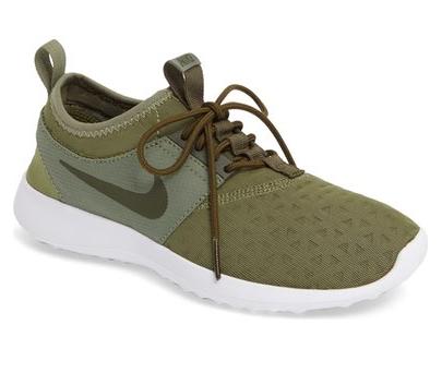 Nike Juvenate Sneaker