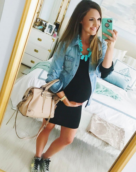 Casual Maternity Outfit Idea