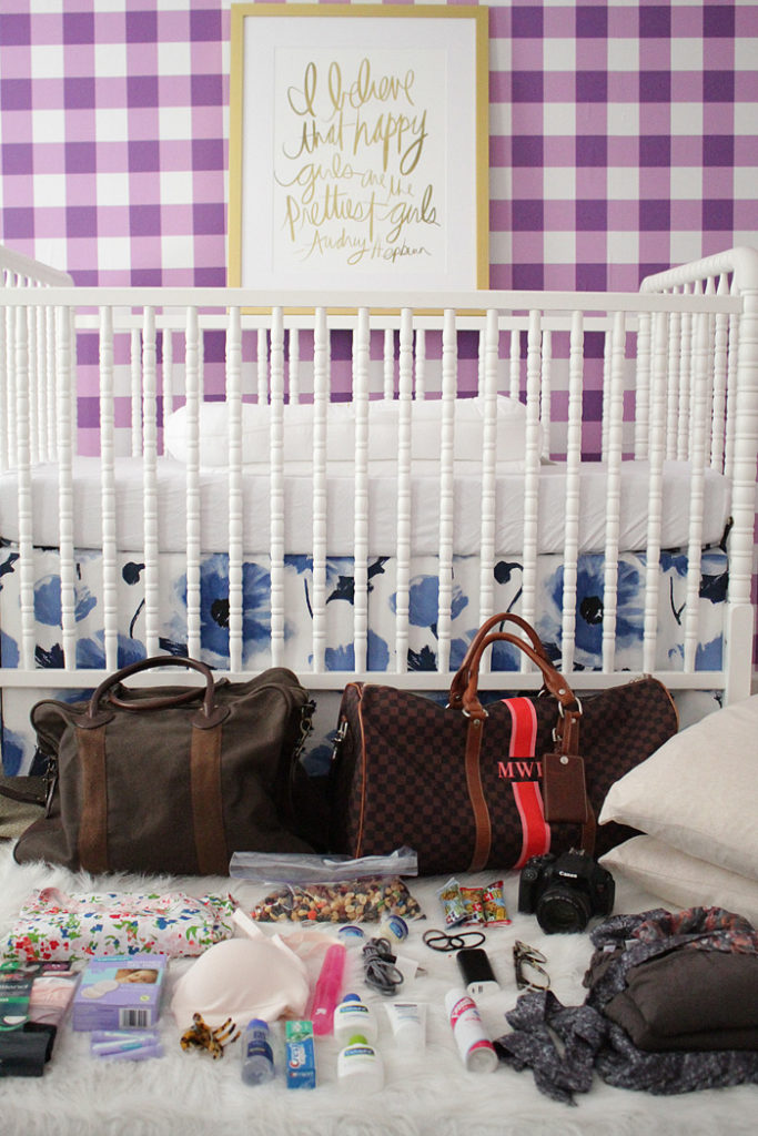 what to pack in your hospital bag for baby