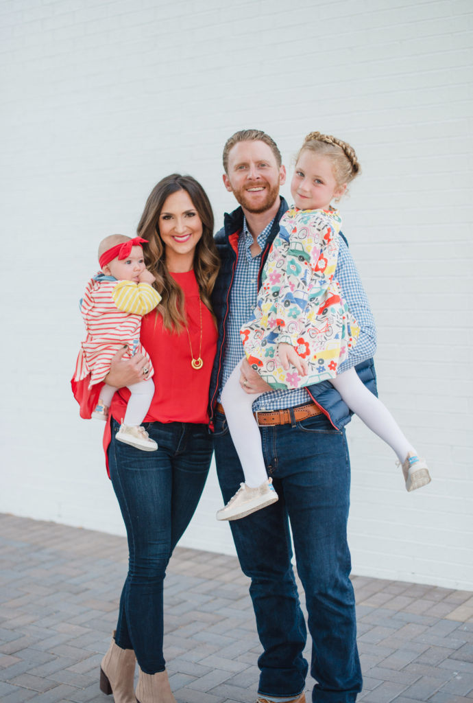 Tips and tricks for what to wear for Fall family photos and how to seamlessly pull together a cohesive look for your entire family.