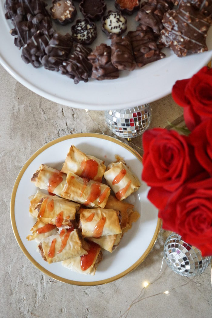 """Ideas for throwing a """"Favorite Things"""" Holiday party with LIDL"""