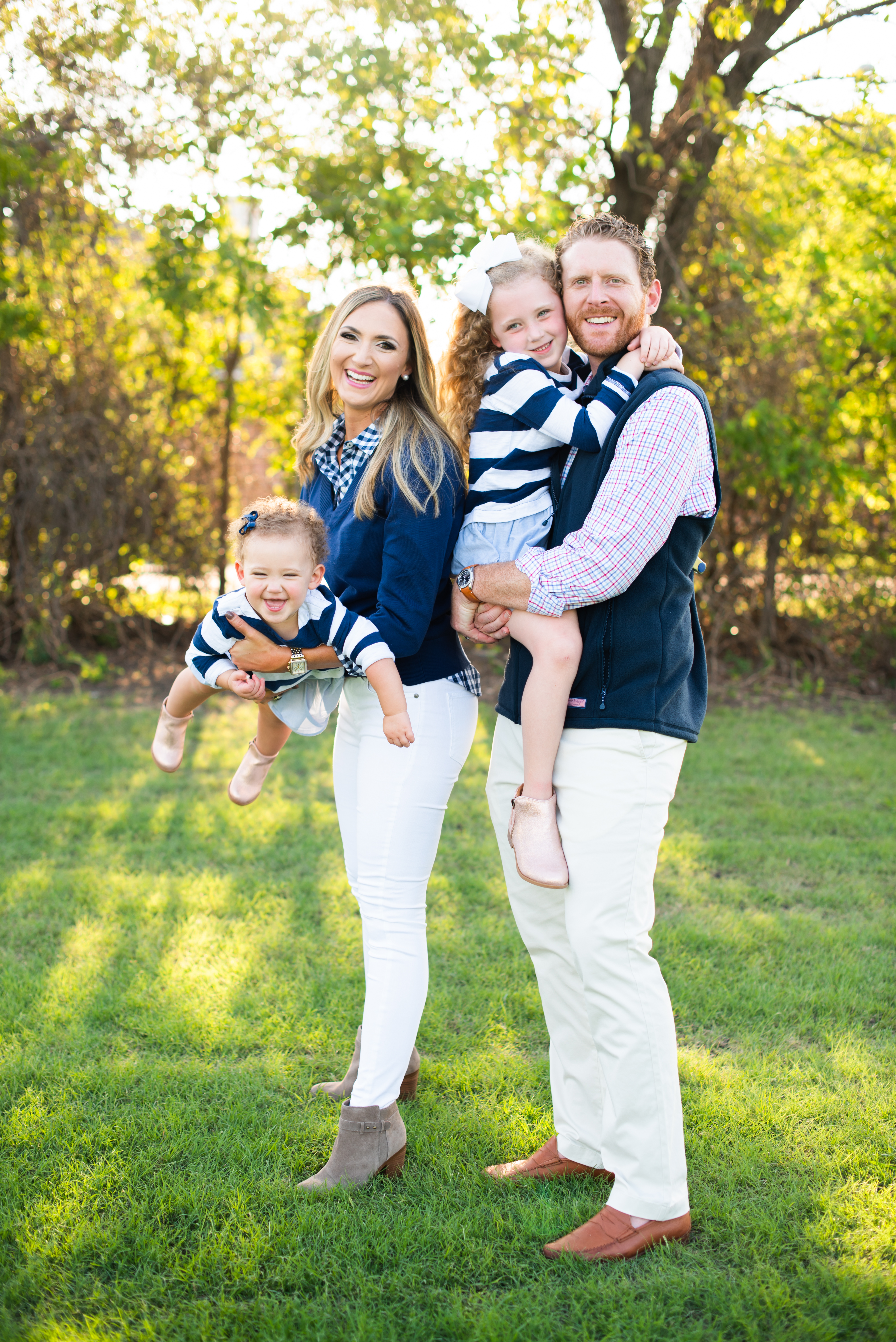 What to Wear for Family Photos | Fall Family Photos | Style Your Senses