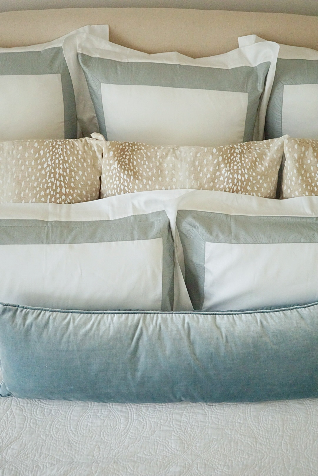 how to stack bedroom pillows   Master Bedroom Upgrades with Frette Bedding featured by top Dallas lifestyle blog Style Your Senses