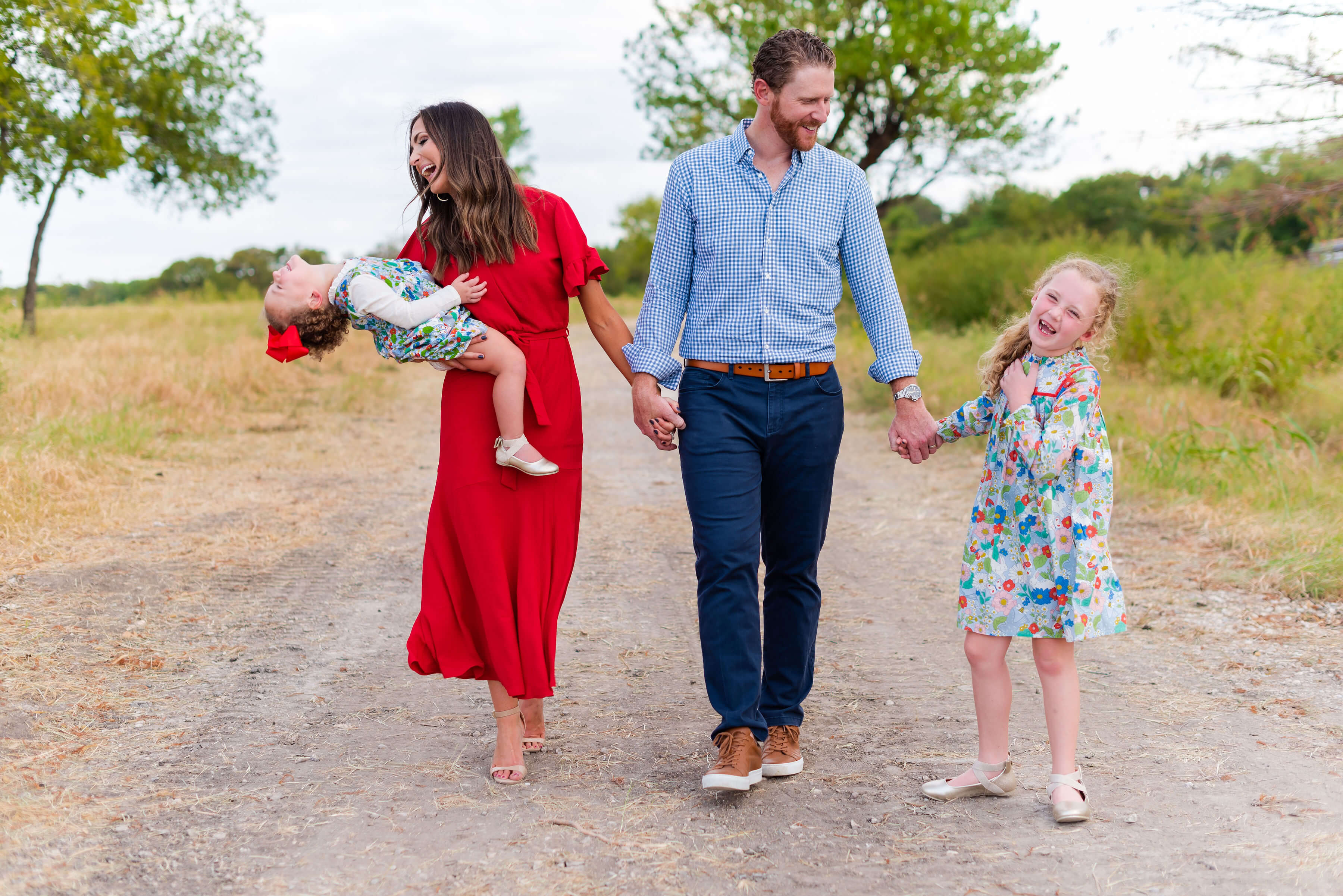 family of 4 | Fall family photo Ideas | Style Your Senses