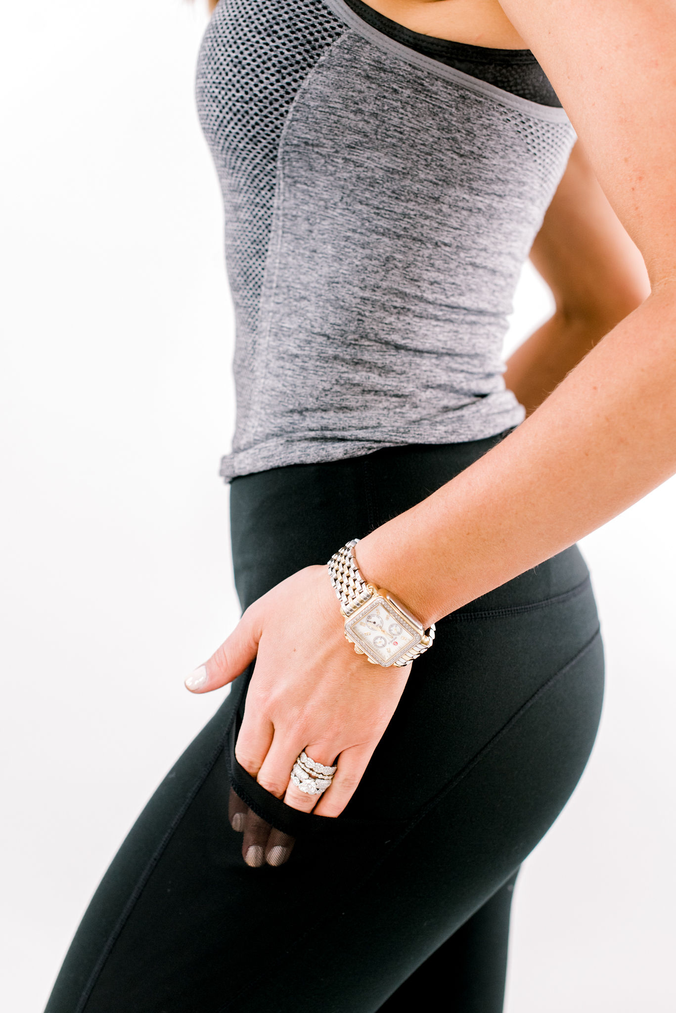 leggings with pockets, shop style your senses, best black leggings, slimming black leggings