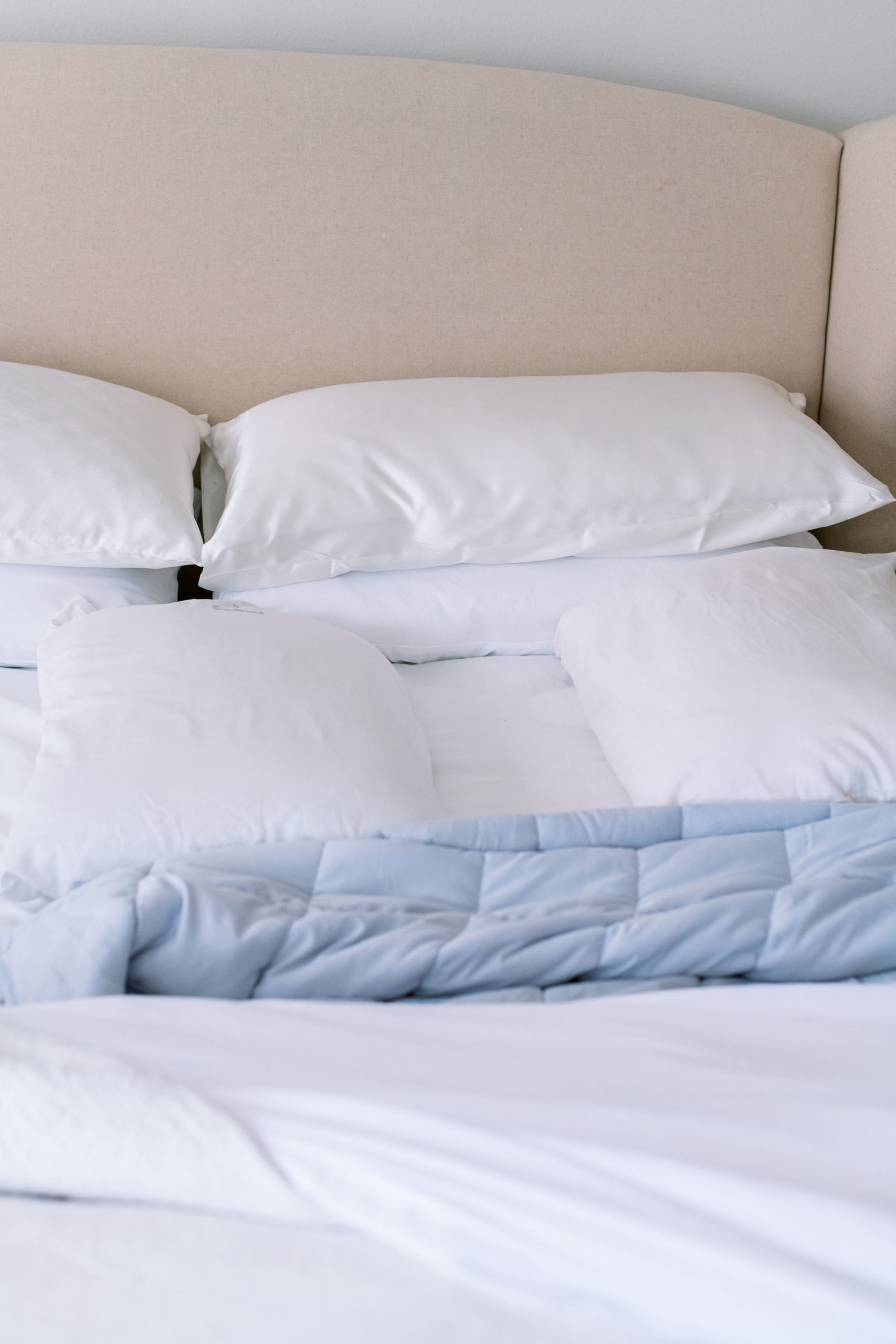how to sleep on your back, back sleeping, best sheets, best pillows, style your senses